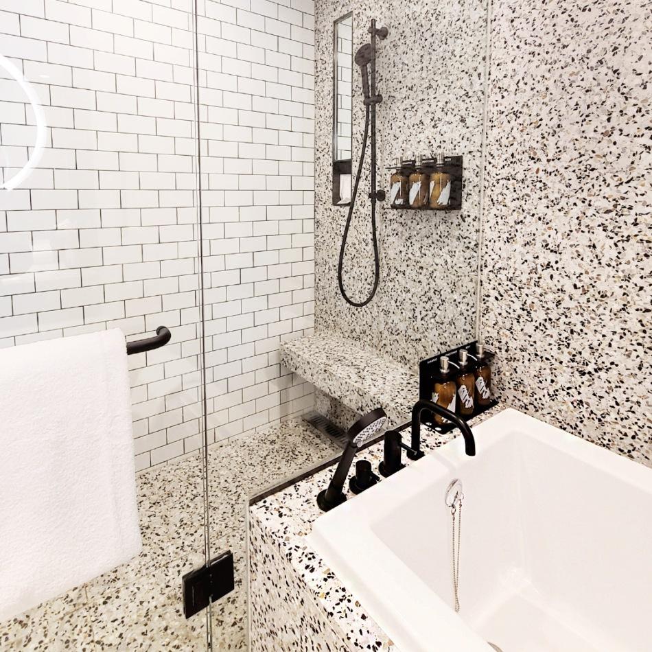 Ryse Hotel Seoul Bathroom shower